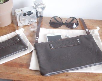 Pocket cross body leather chocolate