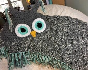 Hooded Owl Blanket (Adult/teen)