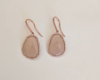 Peach moonstone and diamonds earrings