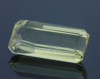 Natural Afghan Yellow Spodumene (Kunzite) 7.46ct Octagon Cut 16.77 x 8.34mm Loose Gemstone