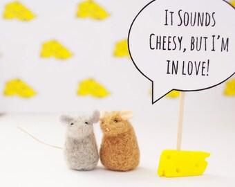 Cute Boyfriend Gift, Cheesy Boyfriend Gift, Valentines Day Gift, Felt Mice, Mouse Couple, Needle Felted Mice, Soft Sculpture, Wool Felt Mice