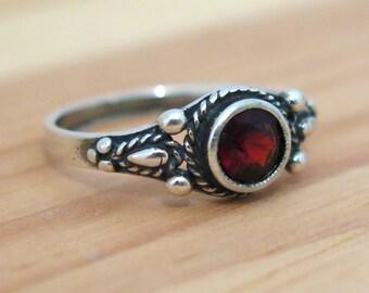 red Garnet ring, Garnet silver ring, silver Ring, small silver Ring, silver Garnet Ring, Gift For Her, January birthstone, red ring