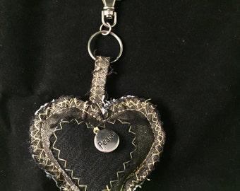 Keychain heart grey black peace