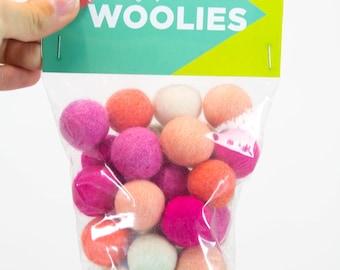 Be A Flamingo // DIY Woolie Balls