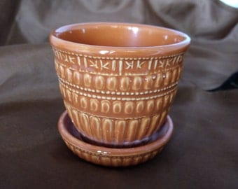 Vintage McCoy Flower Pot Orange Beaded Pattern in Small Size