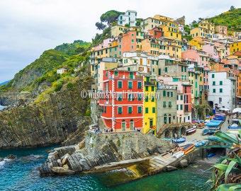 The beautiful Riomaggiore in Cinque Terre, Italy
