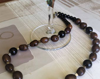 Ethnic necklace for man in natural seeds