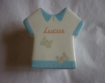 Box T-shirt painted blue motifs hand personalized porcelain butterflies.
