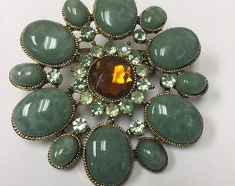 Costume Vintage Green Stone Flower Pin/Brooch