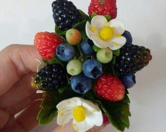 Brooch with berries blueberries strawberries!