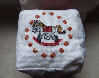 Game cube with sweet cross stitch motifs