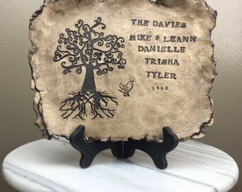 Customize family tree plate, anniversaries, birthdays, weddings, and baby showers.