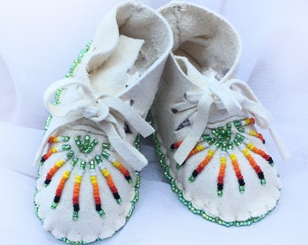 Baby Soft Sole Leather Shoes-Moccasins-Baby Shower Gift-Native American Art-Beaded Moccasins-Boy-Girl Moccasin-WHITE