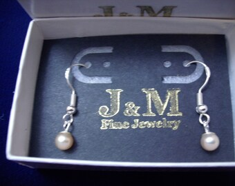 Sterling Silver Mauve Pearl Dangle Earrings