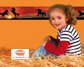 selbstklebende Kinderbordüre: Wildpferde   Bordüren für Kinder, Pferdebordüre, Wandtattoo, Pferde,  Wandbordüre, Vliesbordüre,