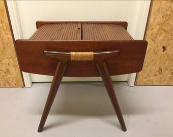 Travailleuse vintage scandinavian mid century modern sewing table