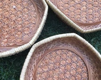 Vintage nesting woven wicker tray/hanging wall baskets
