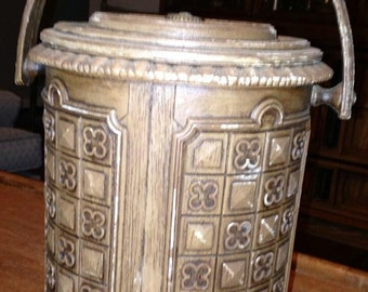 Vintage Faux Bois Quatrefoil Ice Bucket/Owens Corning Brentwood Mad Men Collection