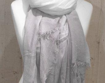 Knitwear gradient scarf shawl white grey