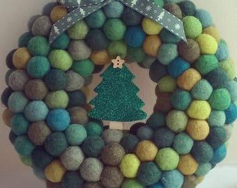 Christmas wreath, felt ball wreath, felt balls, wool felt balls, wreath, felt wreath, pom pom wreath, holiday wreath, modern wreath