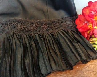 Vintage Little Black Slip // Size 40 Vintage Lingerie