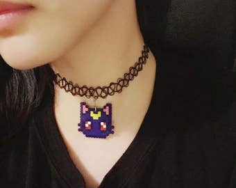 Luna cat necklace/pretty guardians/sailormoon cosplay/moon power necklace/8bit necklace/amine jewelry/perler hama beads/kawaii