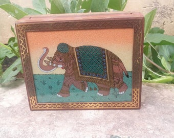 Wood Trinket Box - Vintage Box, Jewelry Box, Keepsake Box, Stash Box, Treasure Box, Elephant Gift, Gift for Her, Mothers Day, Housewarming