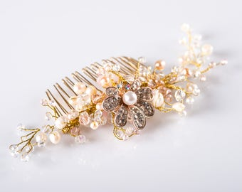 Wedding hair comb Bridal hair comb Prom hair piece Pearl bridal comb Gold hair accessories Bridal headpiece by Cordelia