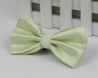Green bowtie - Bowtie