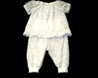 Baby girls after party outfit, 2 Piece outfit, White lace clothing, siz 3-6 months