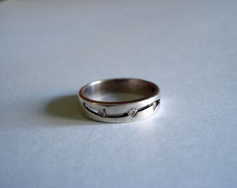 Silver Decorative Cutaway Band Ring