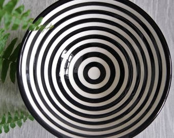 Black and White Stripe Bowl - Medium