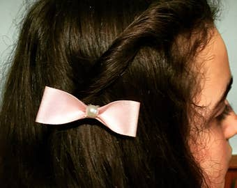 Pink pearl bow