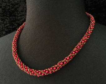 Necklace Pearly beads - cherry propeller
