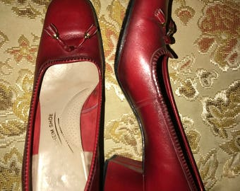 Ladies Vtg Red Pumps with Tassels Size 6.5