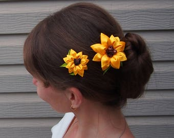 Yellow hair flower // Silk flower hair clip // Sunflower hair clip // Unique hair clip / Wedding hair clip / Bridal hair pin yellow / Floral