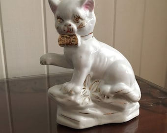 Ceramic white and gold cat