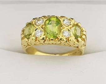 18ct Yellow Gold Peridot & Diamond Ring Vintage