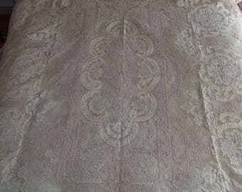 Bedspread old Venice lace with thread and embroidery quilt