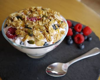 Homemade Granola - No Refined-Sugar - Naturally Delicious - 500g e