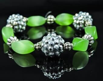 Green Cat's Eye Glass Bracelet