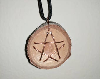 Bronze star in wood necklace