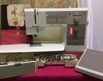 Bernina Riccar 1230 Electronic Sewing Machine with case and accessories