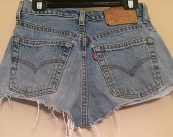 Levi Cut Off Shorts
