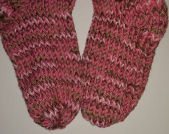 Slipper Socks Womens Size 7-9.  FREE SHIPPING!
