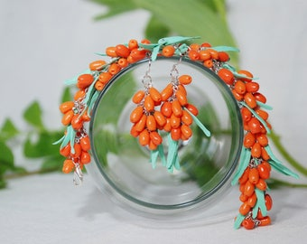 sea buckthorn necklace and earrings