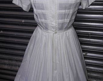 1950s white shirt waister