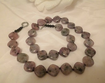 Grey / pink stone pebble necklace