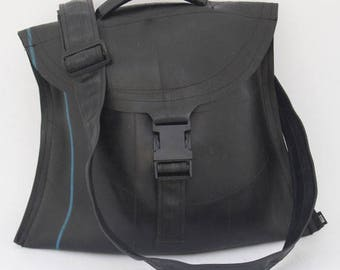 Notar - Large Vegan Cross-body messenger bag