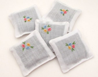 5 Dried Lavender Sachets - Baby Shower Favor - Embroidered Sachets - gender neutral - flowers - dainty - bridal shower